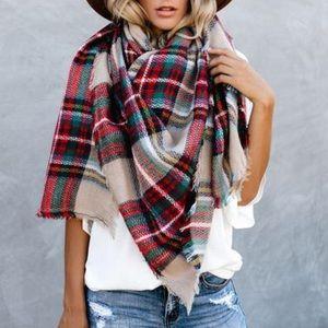 NWT Oversized Fringe Plaid Blanket Scarf Shawl